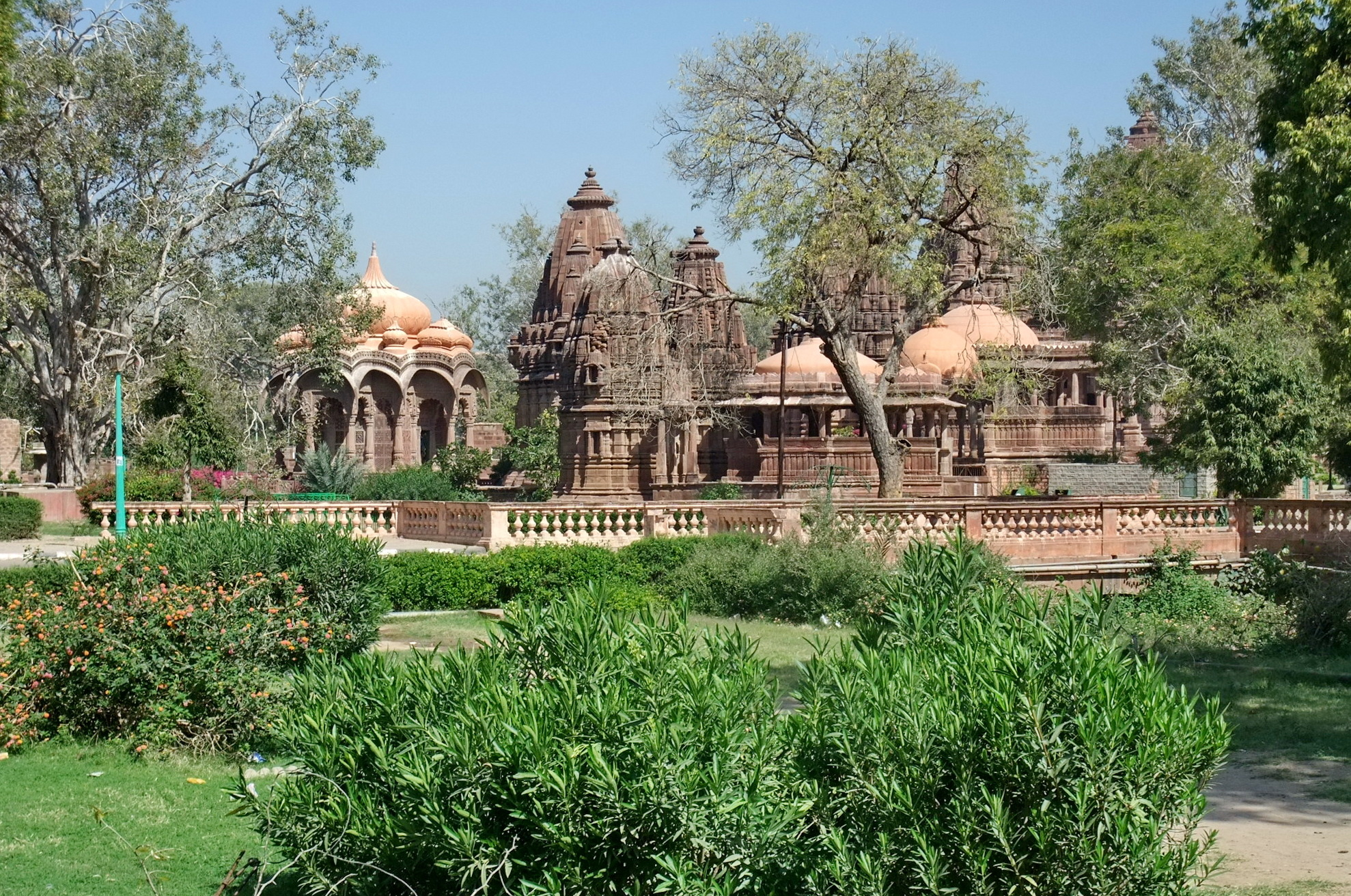 Travel guide to visit Jodhpur : Mandore Garden