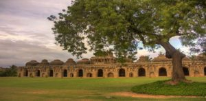 Travel guide to visit Hampi