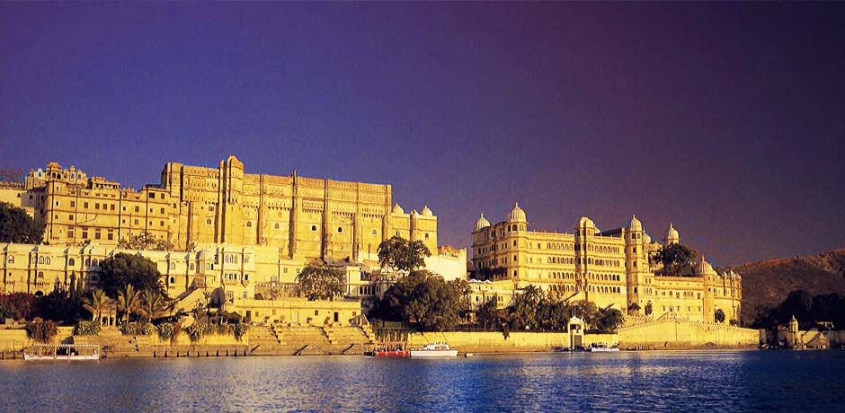 Travel guide to visit Udaipur